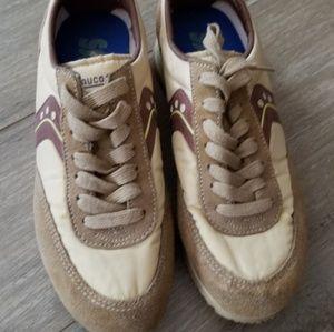 Saucony shoes size 6.6